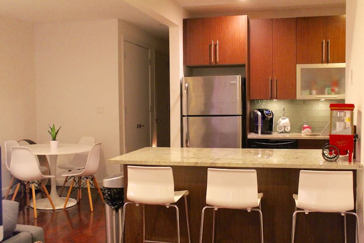 Private one bedroom in Astoria (Halletts Point)