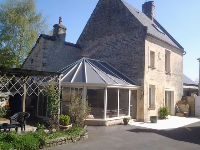Maison de Caractère - entre Caen et la Mer - Bretteville-l'Orgueilleuse - Dům