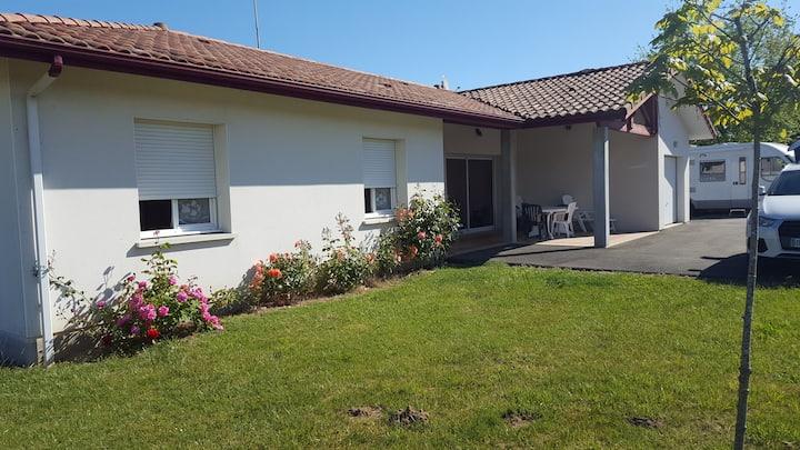 Maison 6  personnes  112 m2   jardin clos  700 m2