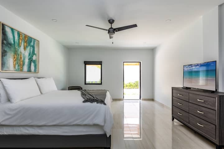 Modern King Bedroom - Seascape on Grace Bay