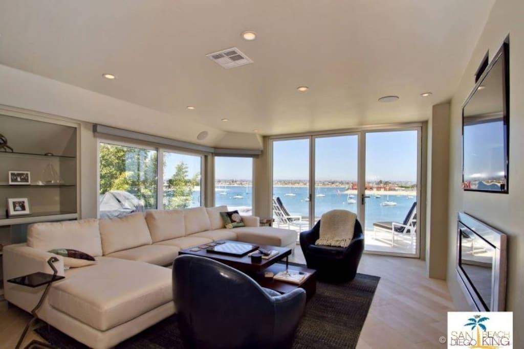 Grand Sailfront Living Room