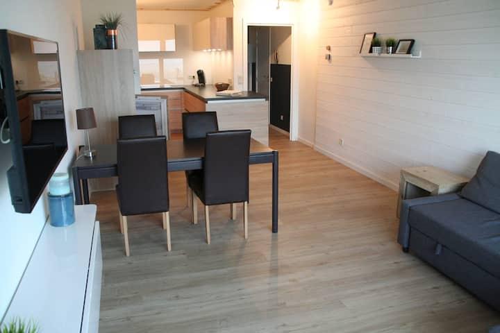 Prachtig gerenoveerd appartement met zeezicht!