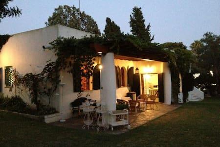 Preciosa casa en urb. Vista Hermosa - エルプエルトデサンタマリア