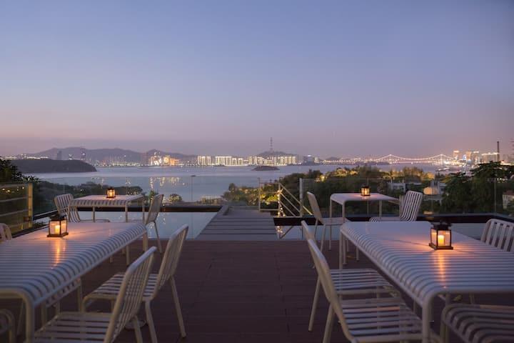 念山十里壹号大床房|公共区域海景天台|鼓浪屿景区内|近三丘田码头 最美转角|自然木系风格大床房|