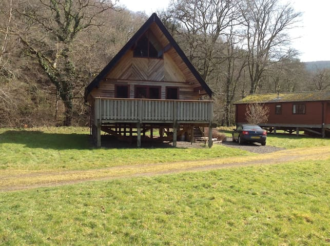 Riverside lodge in Dartmoor National Park - Drewsteignton - Nature lodge