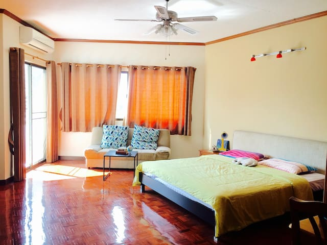 Riverview Condo near Night Bazaar and Old city - Chiang Mai - Apto. en complejo residencial