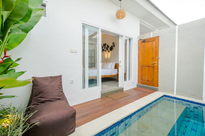 Modern Quiet 1BR Pool Suite w/ Fast Wifi in Canggu