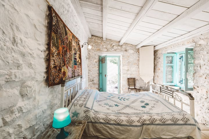 Authentic Greek Cottage- DAISY- great sea views