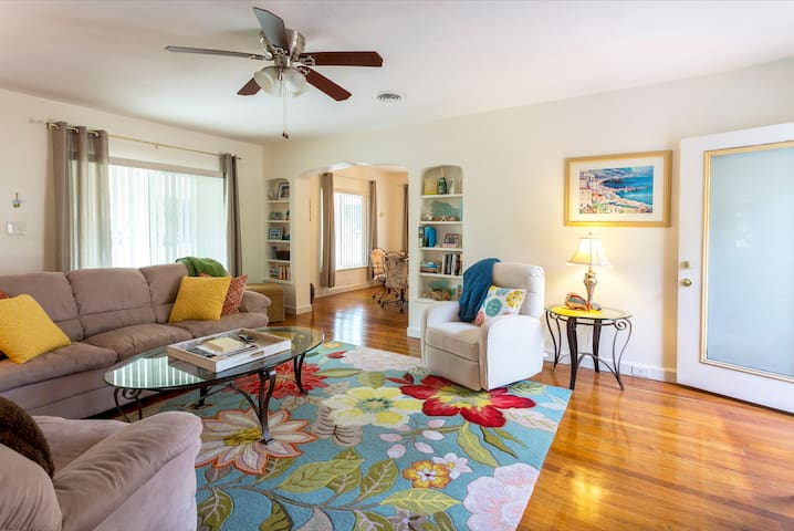 Pass-A-Grille Bungalow - Saint Pete Beach - Ev