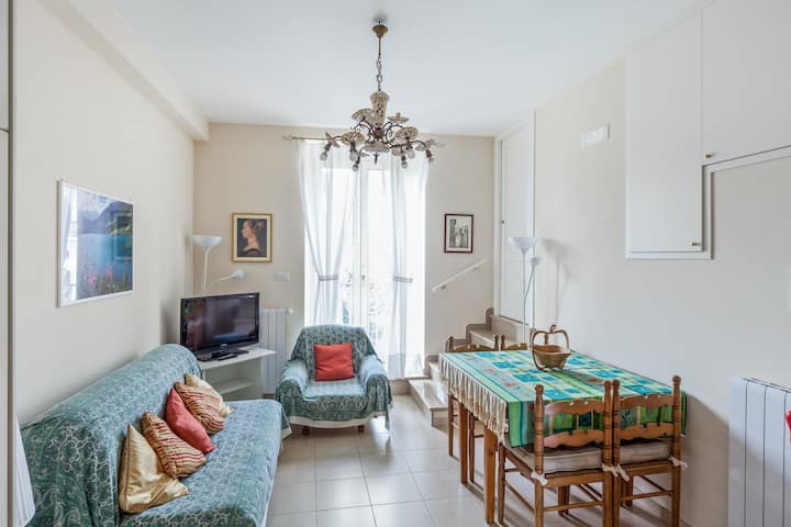 Apartment with 2 bedrooms in Bovino, with wonderful city view - 80 km from the beach