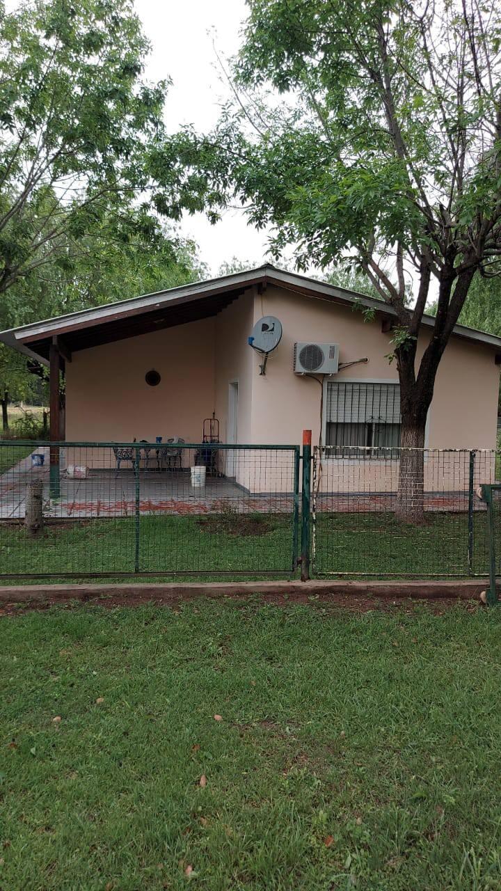 Casa de campo en San Pedro con pileta y parrilla