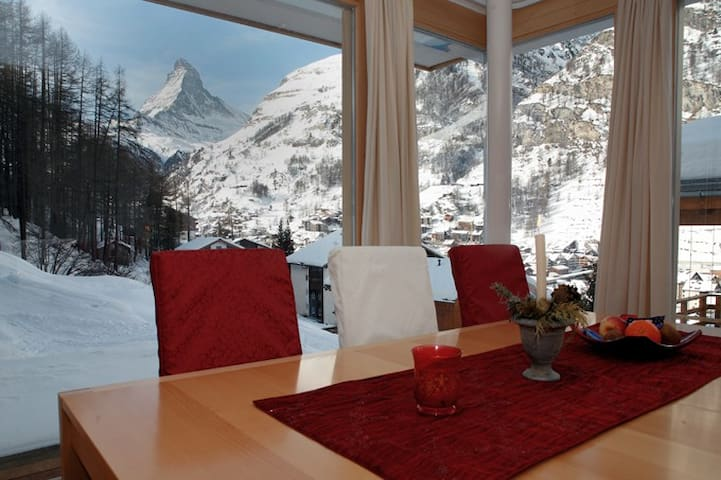 Unique view of the Matterhorn - Zermatt - Condominio