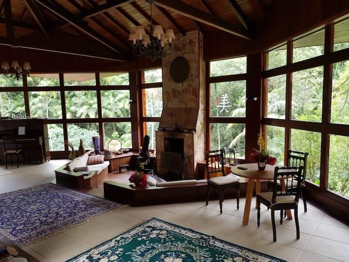 Casa Delta. Beleza e conforto no paraíso.