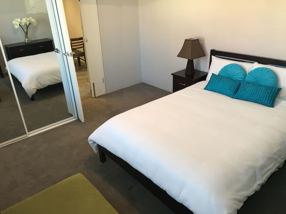Fully Furnished One Bedroom Studio Apartment Apartments For Rent In Rozelle New South Wales