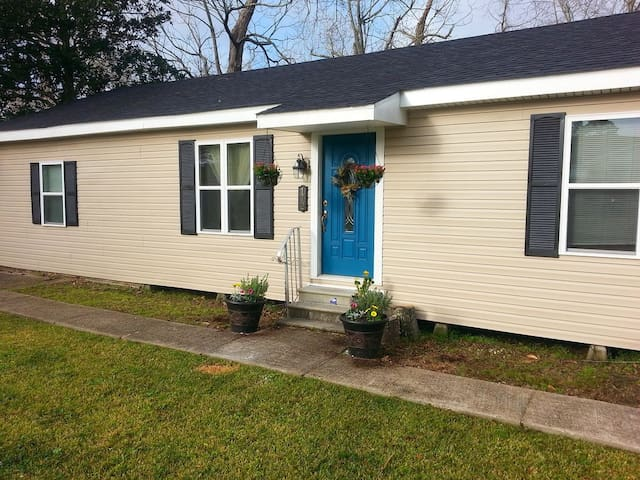 Furnished home close to industries and parks