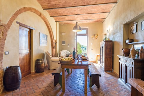 Relaxing holiday between Siena and Valdorcia