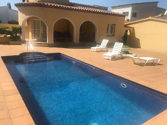 Nice house with private pool-89