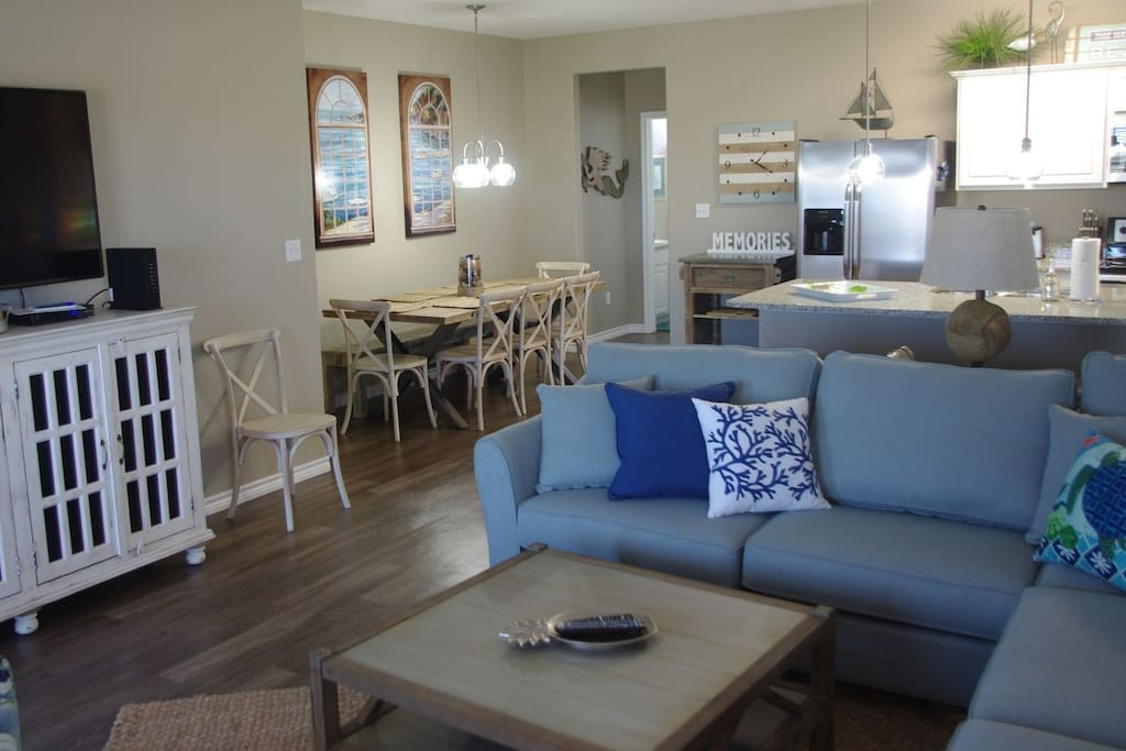 Open Concept Living, Dining and Kitchen