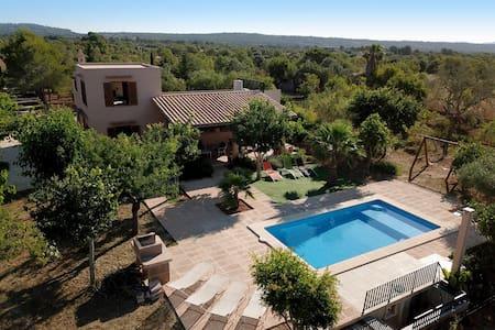 Villa Sa Comuna de can Mesquida Wifi- AirCond.