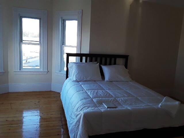 Elegant  room   cam  Riz Nil.