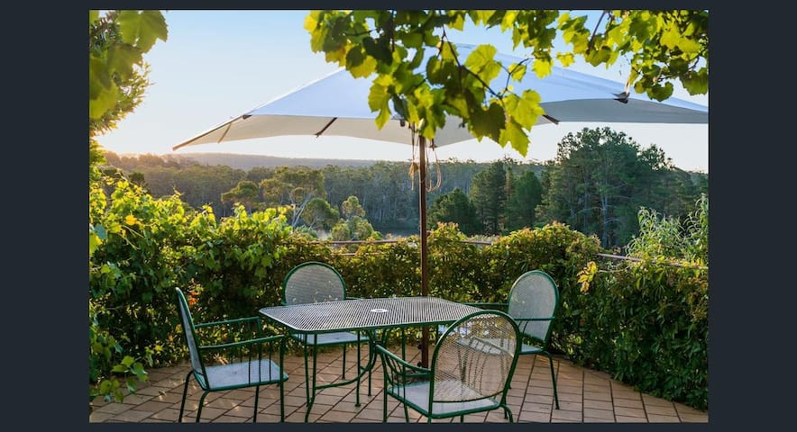 Lake Daylesford Villa 1BR Lakeview Terrace - Daylesford - Guesthouse