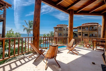 Best summer rates! 3 bedroom Beach home just minutes from Secret Beach!