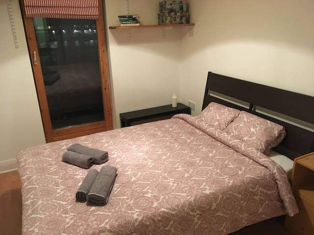 Central perfect double room with private bathroom - Dublin - Apartment