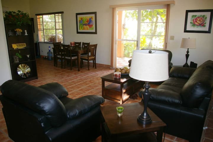 Comfortable bedroom with 2 twin beds ! New A/C