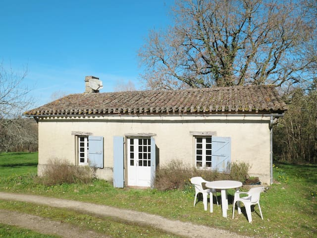 Charming cottage, former bakehouse, surrounded by 2 hectares of woodland and meadow