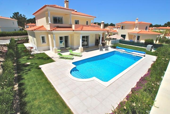 Villa Pluma Rosa, 4 bedroom Praia del Rey Villa