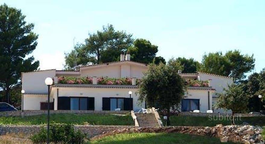 bilocale 2/4 posti  villa Peschici