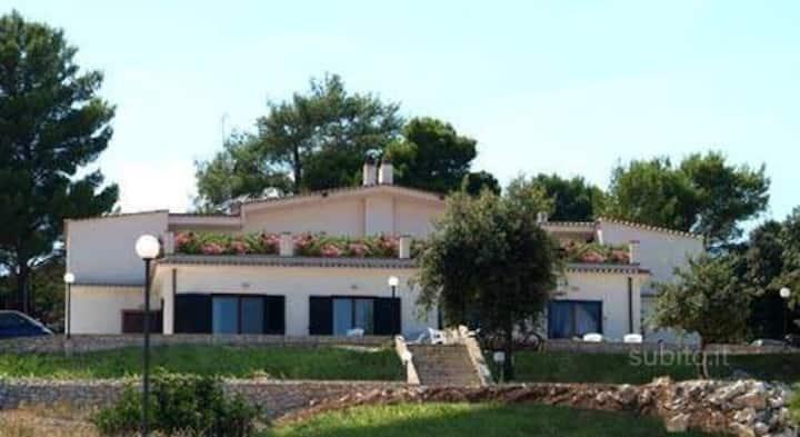 bilocale 2/3  posti  villa Peschici
