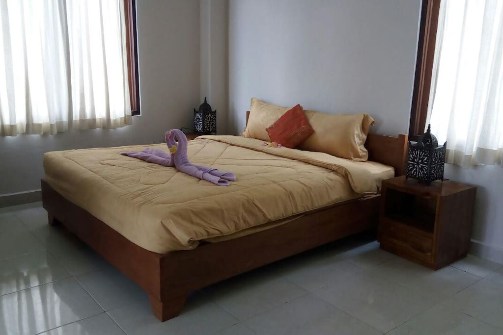 Titiran Room, 1 Queen Size bed for 2 peoples