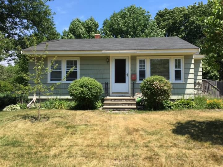 Monthly Rental -Adorable house near Willard Beach