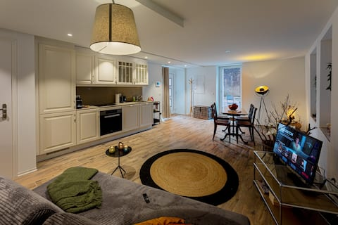 Luxury,  Citycenter apartment! Apple TV