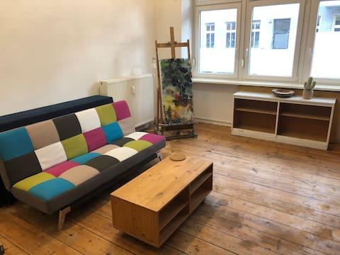 Fancy atelier room in unrenovated flat
