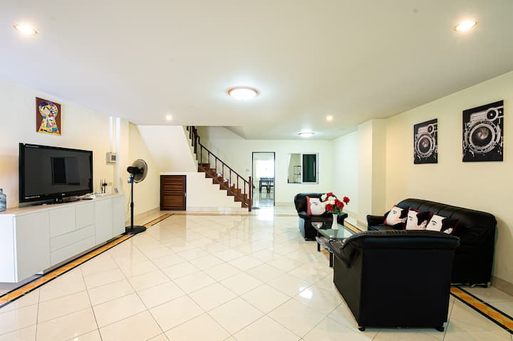 ศรีราชา★Entire home★Private 3Bedrooms★会说中文❤️