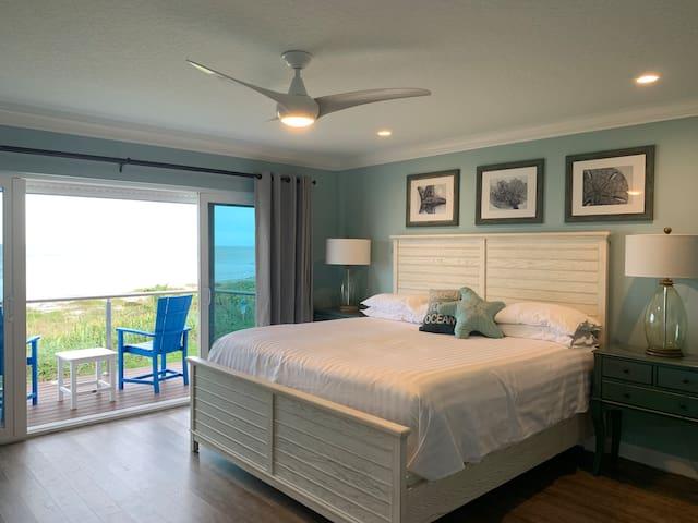 Master en suite with gorgeous ocean views.