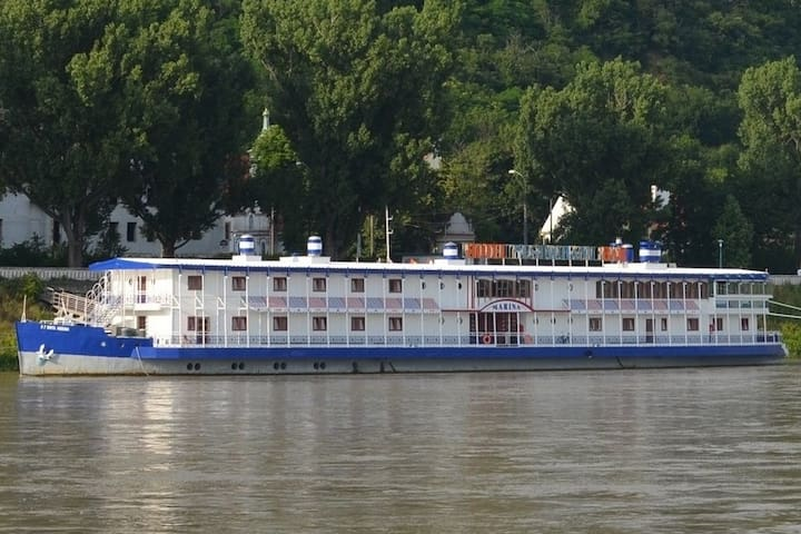 Accommodation on the Danube River.