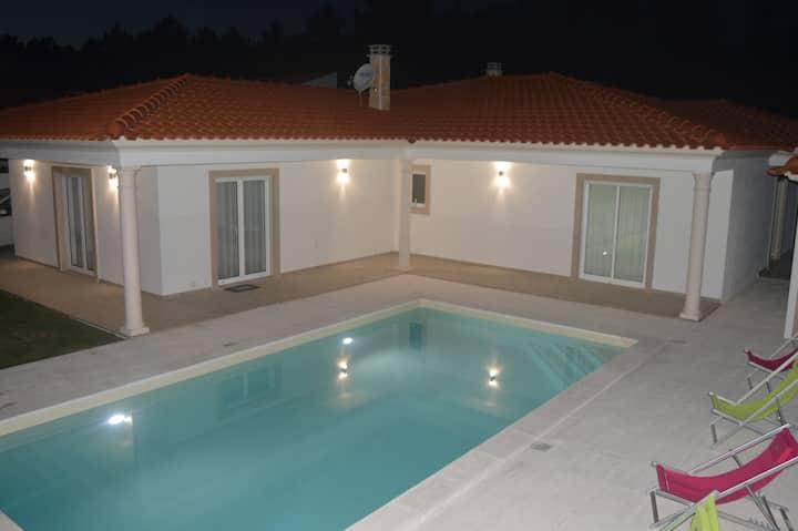Chambre Privée avec piscine à 5min de Nazaré