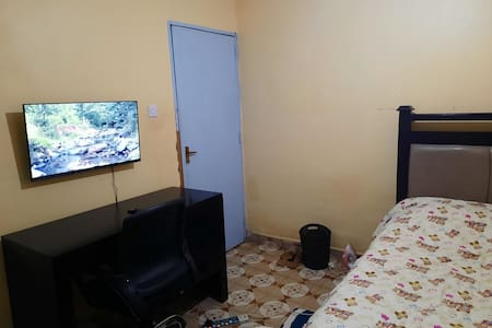 Eldoret cosy private room with wifi and netflix