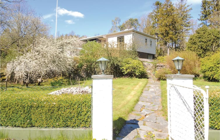 Holiday cottage with 3 bedrooms on 85 m² in Åskloster