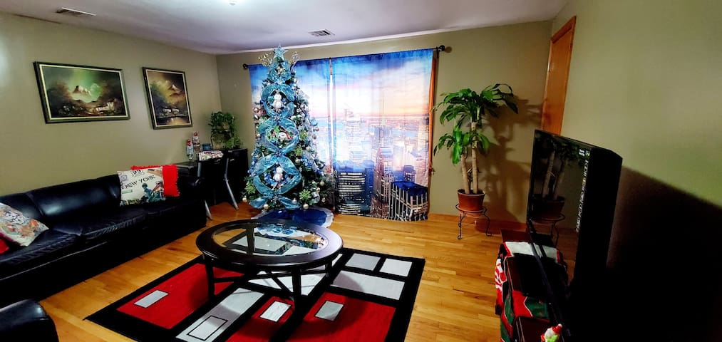 HOME SWEET HOME CLOSE TO NYC W/FREE PARKING