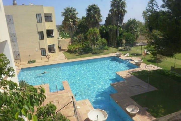 Estudio Sotogrande, Piscina, 321 - San Roque - Apartment