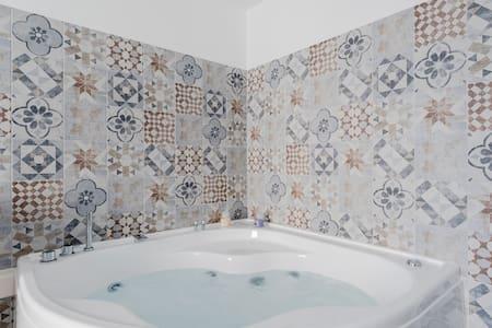 La Suite al Vaticano, mini-spa and private terrace