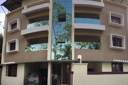 Athrakkattu Enclave Executive Studio Apt AC  for 2