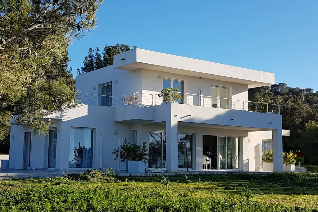 La villa et la location de tout le 1 er étage