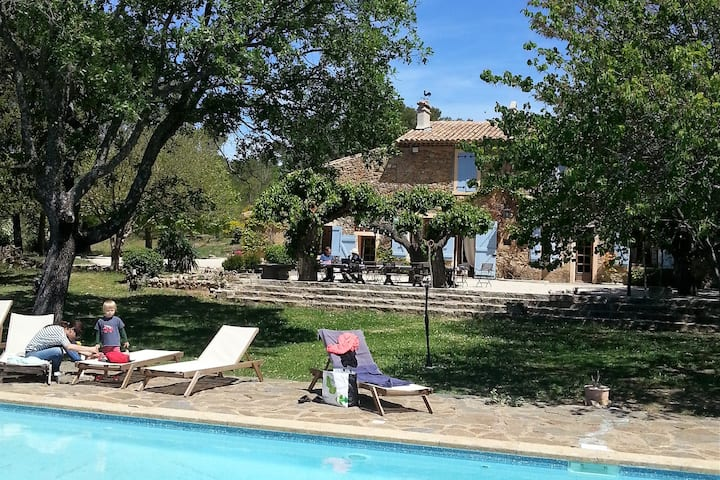 Mas des Graviers - a vineyard to discover Provence
