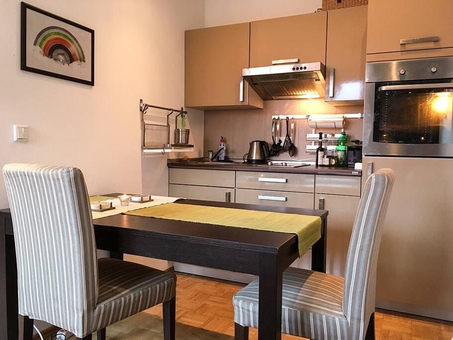 modernes top ausgestattetes apartment mit terrasse wohnungen zur miete in leipzig sachsen. Black Bedroom Furniture Sets. Home Design Ideas