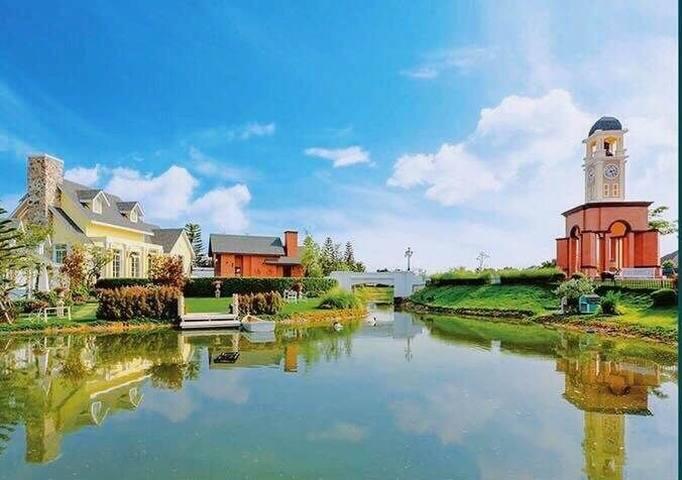 芭提雅海边游艇俱乐部Pattaya Bristol Park联排别墅小洋房
